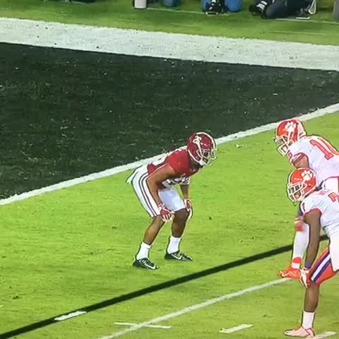 When did this become a legal play? @cfbplayoff #ClemVsBama #nationalchampionship #Rolltide #allin
