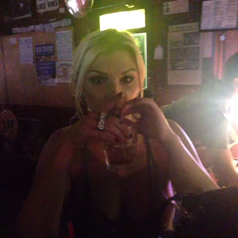 Crazy #flyswat #toungeme — Vine clip by Hanna Marie — Vinebox