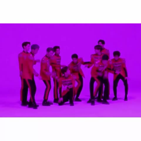 Call me on my cell phone~~🎧🎼💃🏻🙌🏻😌 #펜타곤 #pentagon #hotlinebling