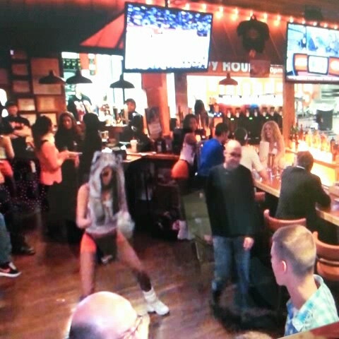vine by Hooters Colorado