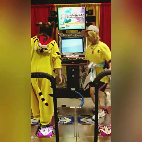 #DDR though! #dancedancerevolution #cosplay #convention #free #FreeIwatobi #iwatobiswimclub #iwatobi #nagisahazuki #anime