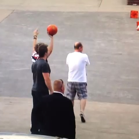 One Direction member Niall Horan Ball Fail