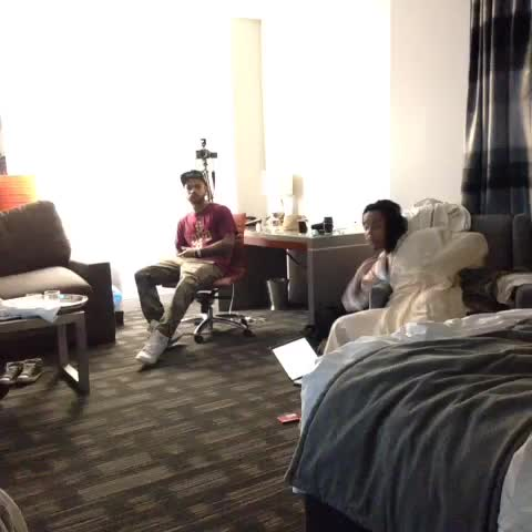 vine by Mike Zombie