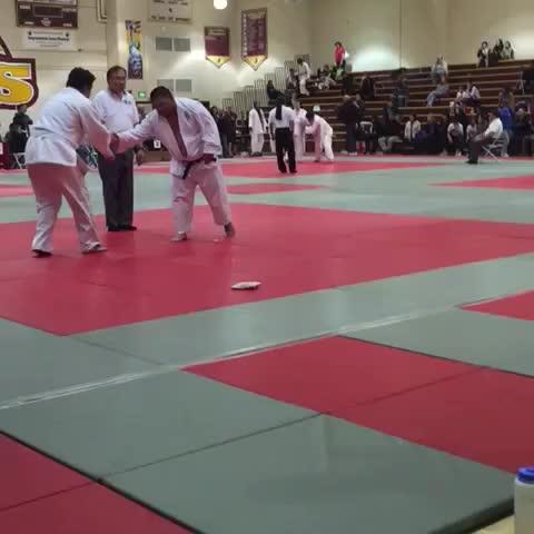 Judoka, #endofvine #walkitoff #shakeitoff #ShakeHands #thankyouvine #twitter #judo #sportsmanship