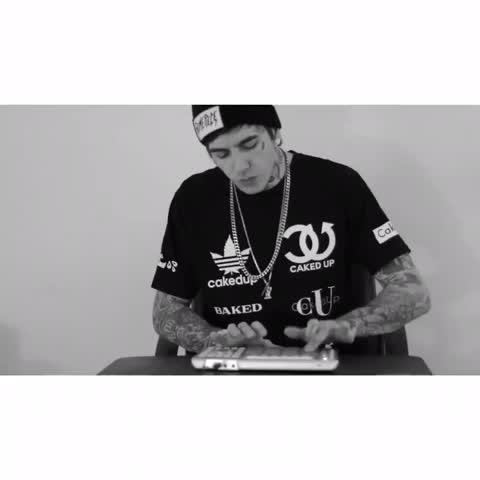 "#shawnmendes - ""Treat You Better"" (Oscar Wylde live edit) full version on IG: oscarwylde"