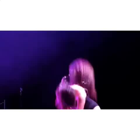 i want to see her live omfg- laurenmakesmegay