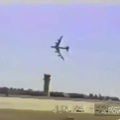 Twitter's plane after they announced Vine's shutdown #savevine #LeanandCuisine #dankmemes #plane #EditRanked