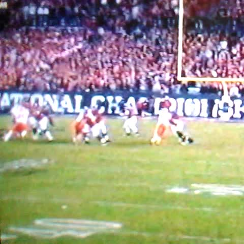 Alabama touchdown 24-14 #Rolltide nice throw @JalenHurts #Salute Nice catch bro!