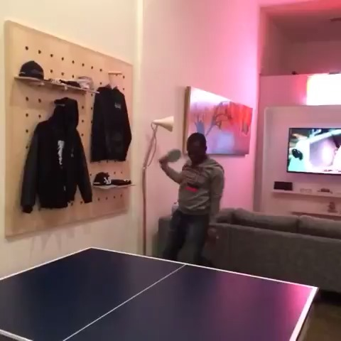 vine by Curtis Lepore