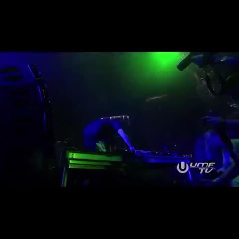 @Skrillex Ultimate Jump @ Ultra Music Festival #EDM #Skrillex #EDMfamily #Drop #UMF #Ultra #Drop #Dubstep #Scuf