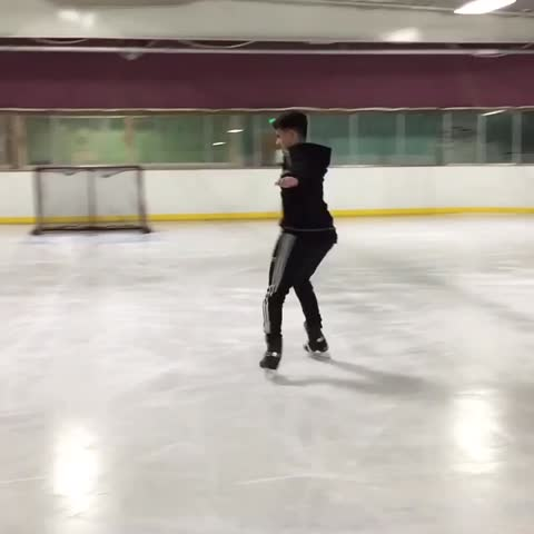 How other people skate vs. how I do😓 #firsttimer Christian DelGrosso Video Thumnbail