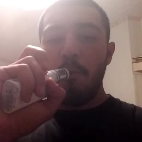 Smoke up vapin #blowingos #SmokeTricks #Vapelife