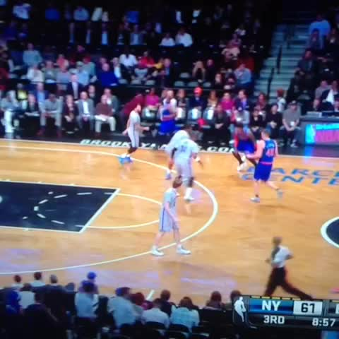Dammmmnnnnn Iman Shumpert #crossover #nba #Knicks #nets #damn #truth #shump - TylerKinngs post on Vine