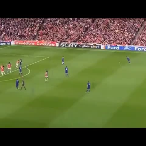 Criterio Fútbols post on Vine - Vine by Criterio Fútbol - Cristiano Ronaldo vs Arsenal #ManUtd #RealMadrid #CR7 #Football #Futbol #Soccer #Goal #Gol #Golazo #Insane #Amazing #LifeForLike #ReVine