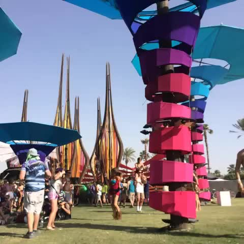 Thumbnail for Best vibes ever  #coachella2014 #coa.. - Vine clip by Joanna Pham - Vinebox