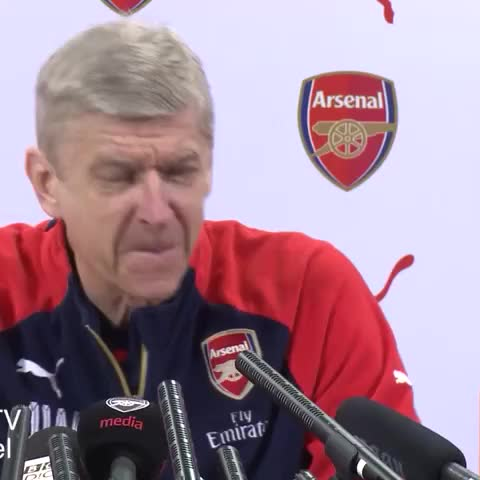 Vine by @UberAFC - Arsene Wengers reaction when asked about Xhaka coming to Arsenal..