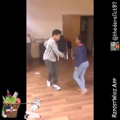 Diamond2legits post on Vine - When you notice you dance way to much bachata around ya kids 😩😨😂👏 ... #bachataflow  #TeamDominican #PlantanoPower - Diamond2legits post on Vine