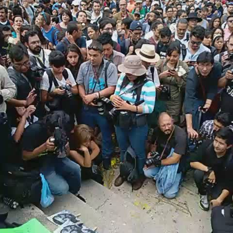 Vine by @Mariomarlo - #JusticiaParaRuben en el Ángel de la Independencia