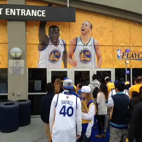 Only in the Bay. #DubNation lining up to enter #WarriorsGround 2 hours before tipoff. - warriorss post on Vine