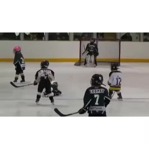 Vine by Hockey Moments - This is amazing! ☺️