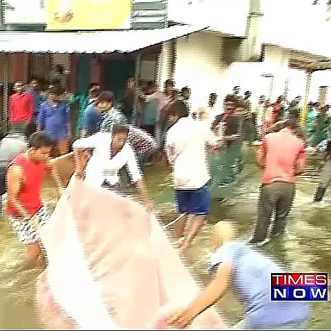 Vine by TIMES NOW - VIDEO: Lake overflows, Bengaluru people trap fish on streets #CitizenStranded