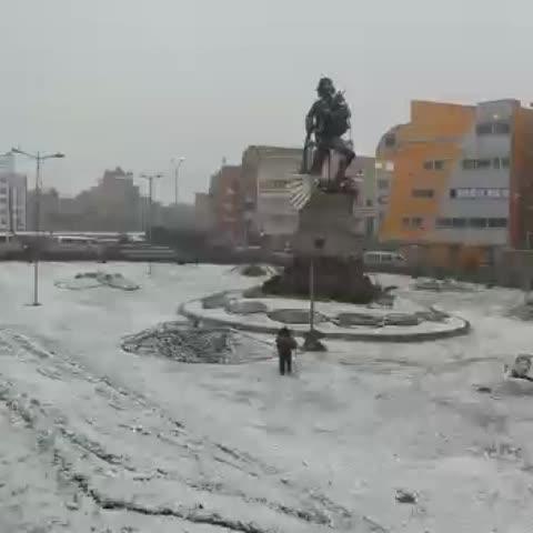 Vine by EL DEBER - [VIDEO] Una nevada cubre El Alto y parte de La Paz