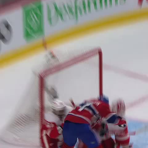 Canadiensmtls post on Vine - 🚨 Galchenyuk crée légalité! Galchenyuk ties it up! 🚨 - Canadiensmtls post on Vine