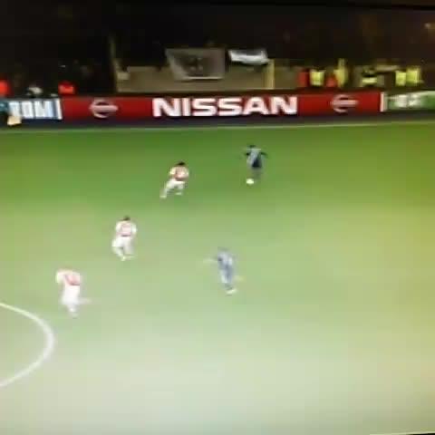 Salvador Aguileras post on Vine - Gol del #Anderlecht belga y mi #Arsenal agudiza su crisis. #ChampionsLeague - Salvador Aguileras post on Vine