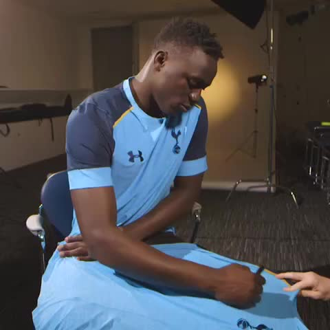 Vine by Tottenham Hotspur - RT & follow @SpursOfficial for a chance to win a new training top signed by @VictorWanyama! 👌👕 #WelcomeWanyama