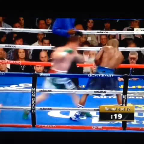 The best to ever do it. #TBE #moneymay #followme @secondchance3d #floydmayweather #YEET Defensive Genius - SecondChance3Ds post on Vine