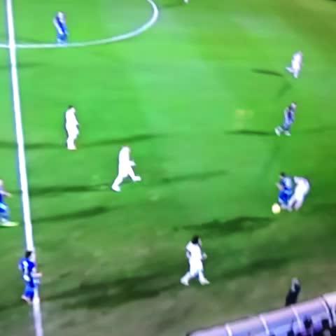 Enrique Cavazoss post on Vine - ¡Pelotazo a la cámara en el Éibar vs Madrid! - Enrique Cavazoss post on Vine
