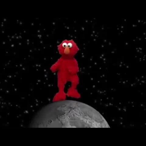 Cade Herberts post on Vine - When your crush texts you first 😂  #Elmo #LMAO #BeatTho #Dance - Cade Herberts post on Vine
