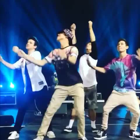 Boys of Vine <3s post on Vine - OMG 😂 - The Boyss post on Vine