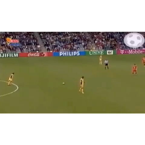 The Soccer Lifees post on Vine - What a snipe!! Incredible power!  😳⚽️#soccer #futbol #skills #goals - Best of Family Guys post on Vine