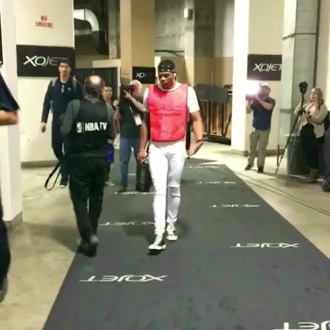 Kevin Durant Loves Photography Russell Westbrook Wore This Coincidence We Think Not