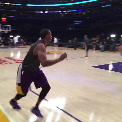 .@WayneElli22 gets ready for the Clippers after hitting 6/9 shots for 13pts against Phoenix. - Lakerss post on Vine