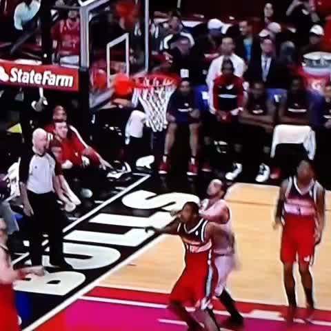 Getting testy here... Joakim started with a forearm shiver to the back of Arizas head. #Wizards, #Bulls, #NoChill - Kyle Weidies post on Vine