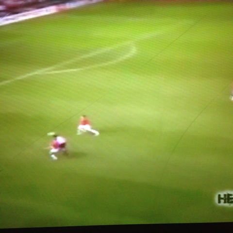 Kaka amazing goal with AC Milan against Manchester united #amazing #awesome #goal #kaka #acmilan - Jerkys post on Vine