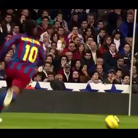FCB Fanàticss post on Vine - Golazo de Ronaldinho al Real Madrid - FCB Fanàticss post on Vine