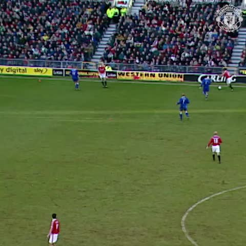 Vine by Manchester United - .@vancole9 v Leicester 😎👌