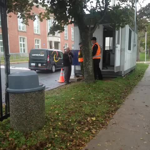 Elizabeth Chius post on Vine - Security is being increased at Stadacona at #CFB Halifax after the shooting of soldier in Ottawa.  #cbcns - Elizabeth Chius post on Vine