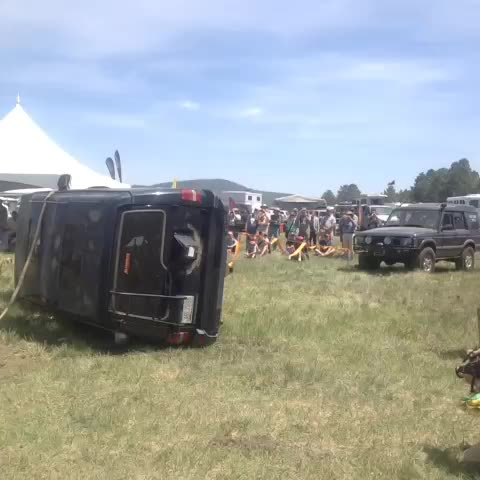 Fix your own situation. Land Rover demo #overlandexpo #Vine