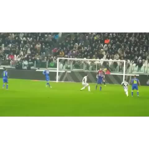 Best Soccer Goalss post on Vine - Vine by Best Soccer Goals - Oldies but Goldies... Amazing curve goal from Paul Pogba #bestsoccergoals #soccer #football #goal