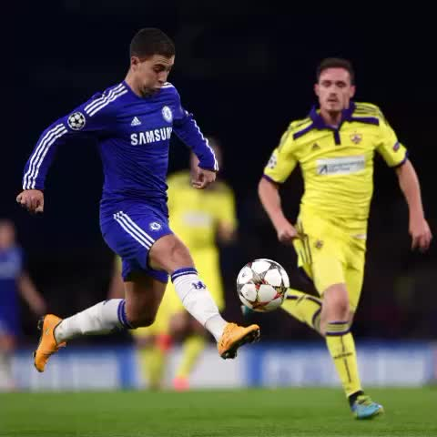 Chelsea FCs post on Vine - A look at Eden Hazards second goal against Maribor... #CFC - Chelsea FCs post on Vine