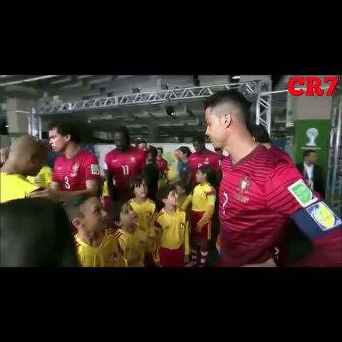 Cristiano Ronaldos post on Vine - Hes always loved! #cristianoronaldo #CR7 #respect #staywithme #worldcup #portugal #ronaldo7 #hero #kids #hug #hugs #love #soccer #brazil - Cristiano Ronaldo #BCAs post on Vine