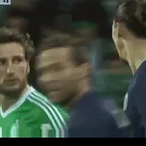 Vine by stephan amstel - Yesterday,  Zlatan play atlas who is who #soccer #zlatan #wtf #ohmygod #OhDontDoit