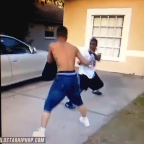 RealJeremyJs post on Vine - IceJJFish cant sing but this nigga can fight 😧😧😦😦😟😮😟😧😲😂 - RealJeremyJs post on Vine