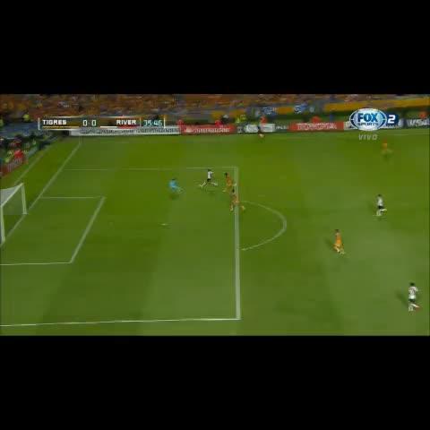 Vine by AFA - #CopaLibertadores Mirá la chance que perdió Lucas Alario.