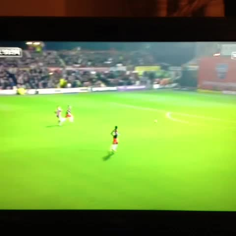 FBA Football Betss post on Vine - Vine by FBA Football Bets - Decent touch from Bryan Ruiz!
