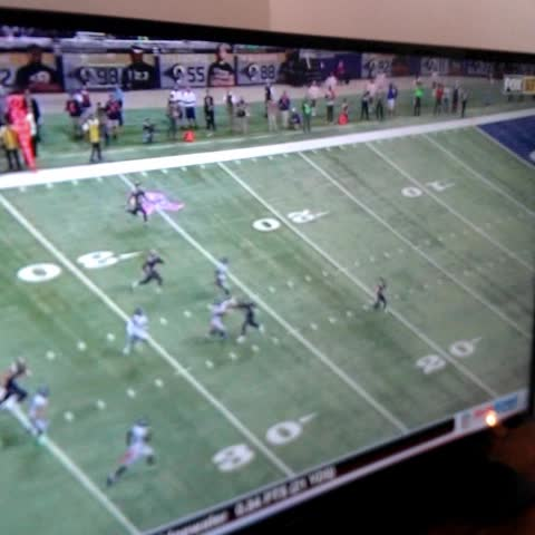 Darrens post on Vine - Greatest trick play ever? #nfl #rams #seahawks - Darrens post on Vine